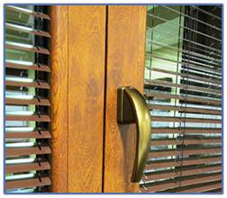 Милкана ООД  PVC и AL профили и аксесоари Стъклопакети  дограма  Стъклени балкони  Декоративни панели за врати  Интериорни врати Ламинирани плоскости  Мебелен обков Видове стъкло  Стъклени вратички и витрини, паравани и душ кабини  Парапети ОБЛИЦОВКИ И НА